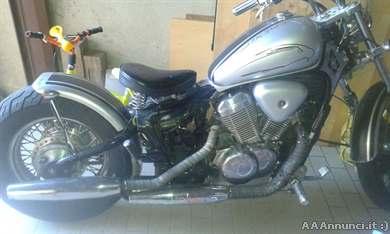 Foto - Custom 600