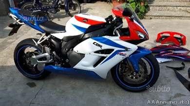 Foto - Honda CBR 1000 - 2006