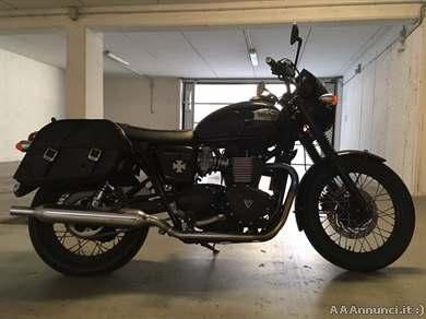 Foto - Triumph bonneville t100 black