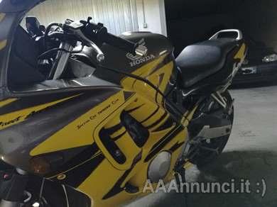 Foto - Honda CBR 600f
