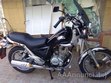 Foto - Honda custom 125cc