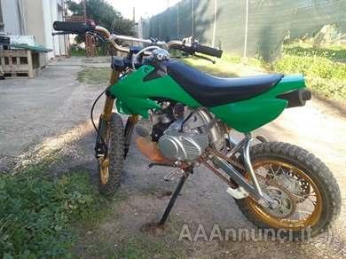 Foto - Mini pit bike cross 50cc 4T 4 Marce con frizione manuale - € 350,00